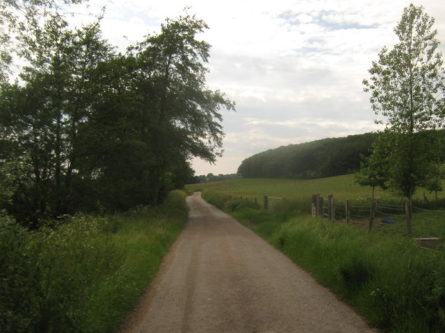 Footpath to Dumbourne Farm