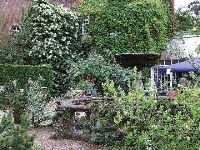 Fountain and courtyard, Warwick House
