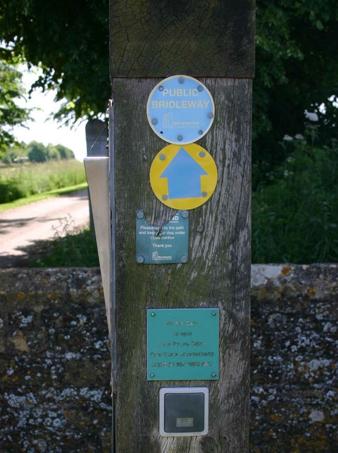 Detail of bridleway gate opening system