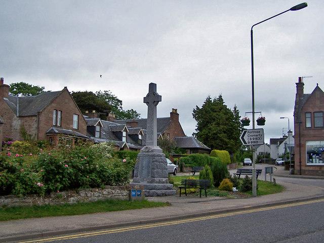 Conon Bridge, war memorial