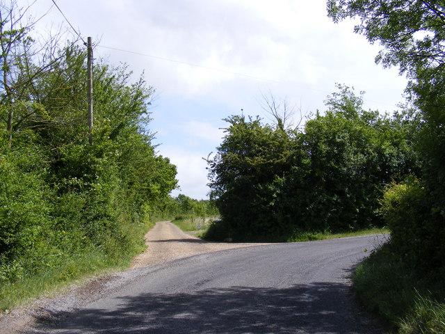 The entrance to Dews Farm
