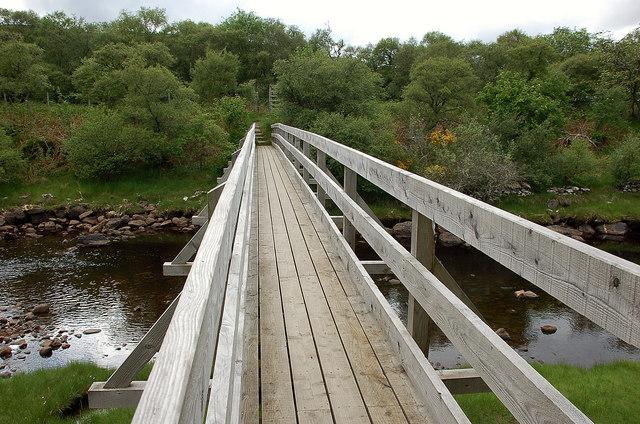 Footbridge over the Rhian Burn, Tongue