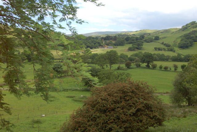 Overlooking valley towards Nant-y-Mynach