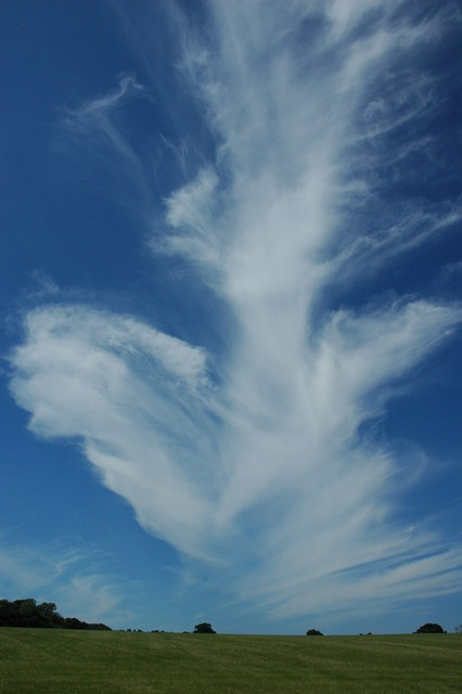 Cirrus cloud above the Ragley Estate