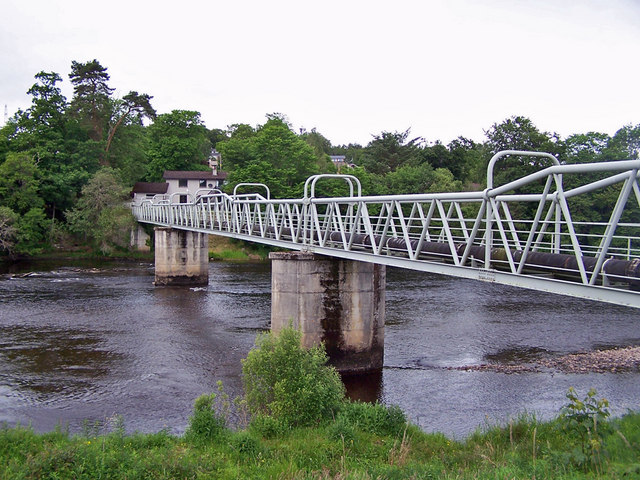 Pipeline bridge