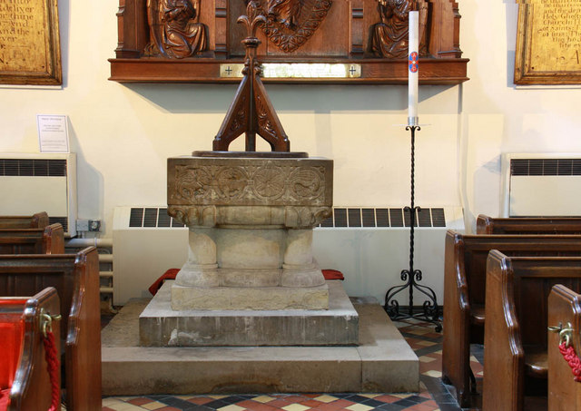 St Mary, Rye, Sussex - Font