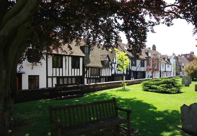 House round churchyard