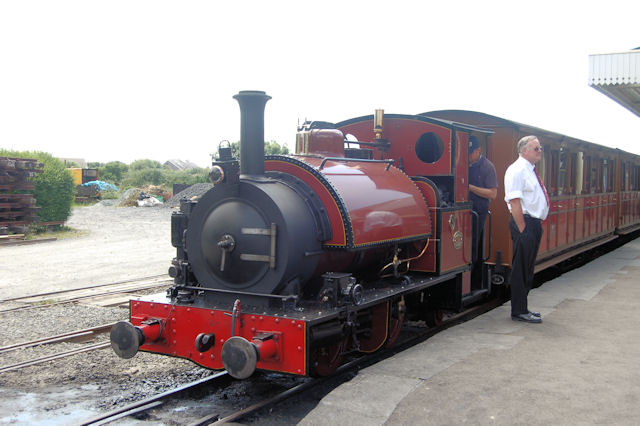 Sir Haydn at Tywyn Wharf station