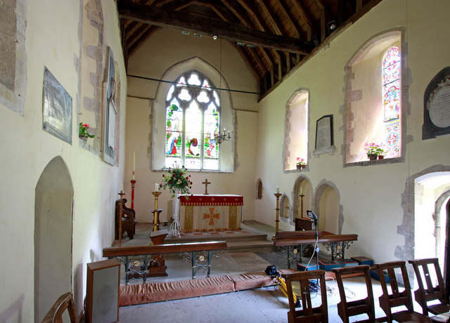 St Peter & St Paul, Peasmarsh, Sussex - Chancel