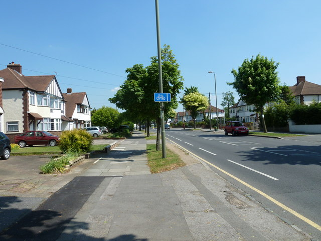 Cycle lane in Southborough Road