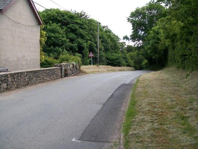 The B4415 west of Pont Rhydhir