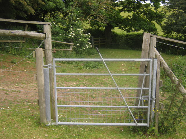 Bridle gates near Partridge Wood