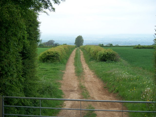 Track to Hill Barn