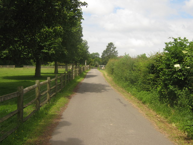 Access road to Ashenfield Farm