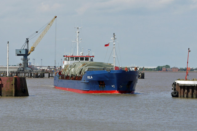 """Vela"" entering New Holland Dock on the High Tide"