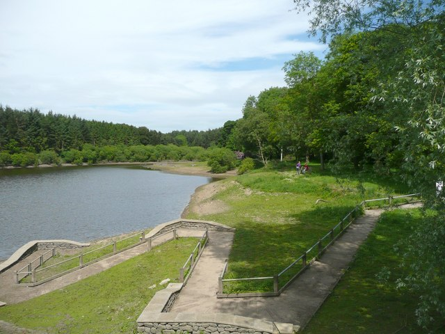 Disabled anglers' path, Swinsty Reservoir, Norwood