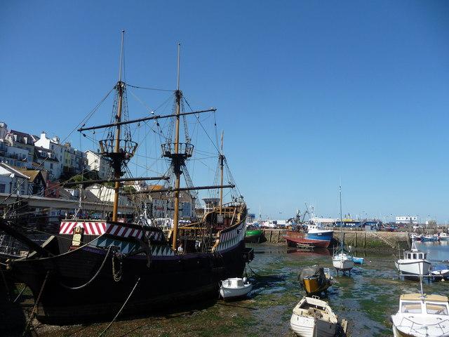 Brixham : Brixham Marina & Golden Hind Replica