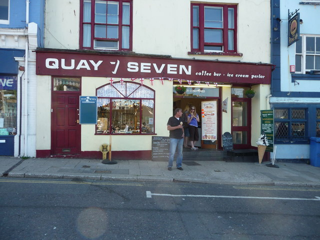 Brixham : Quay Seven Ice Cream Parlour & Coffee Shop