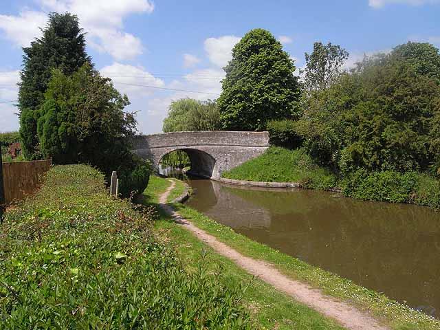 Canal bridge at the Anchor Inn, High Offley