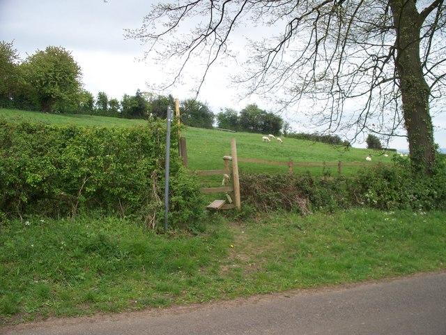 Footpath to Ebrington [4]