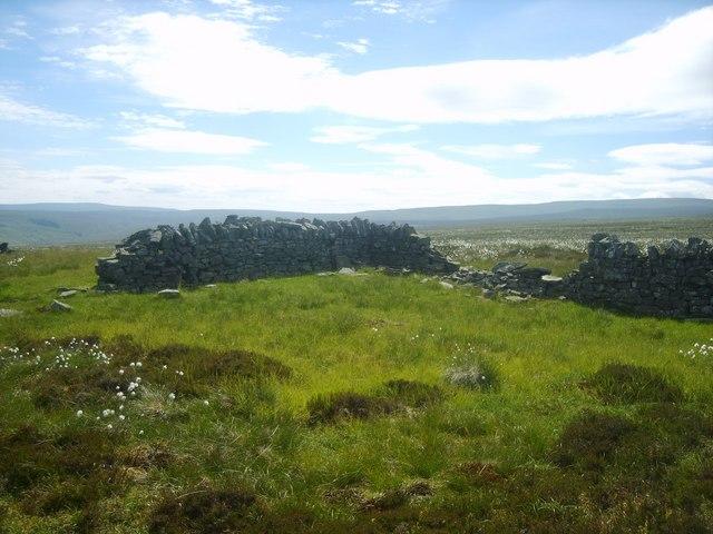 Bield, Little Knapside Hill