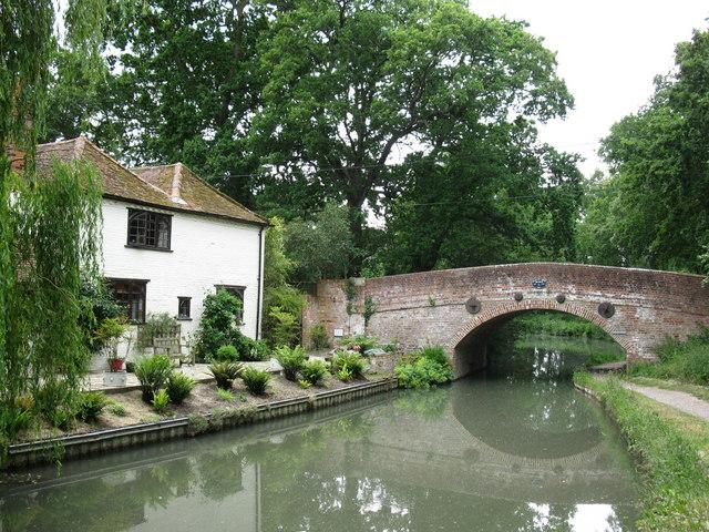 Barley Mow Bridge and cottage