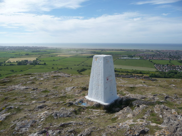 Graig Fawr trig point near Prestatyn