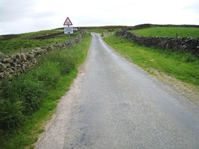 Minor road near Wraykeld Well