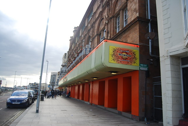 Large amusement arcade at the end of George St