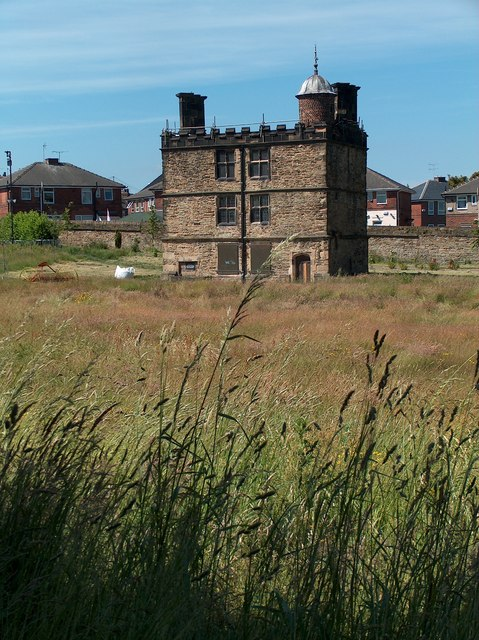 Sheffield Manor - The Turret House with local authority housing behind