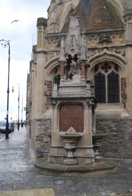 Commemorative Fountain, Holy Trinity Church