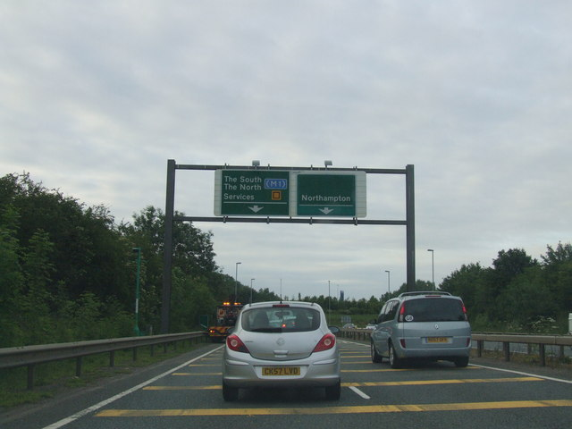 Approaching Northampton on the A43