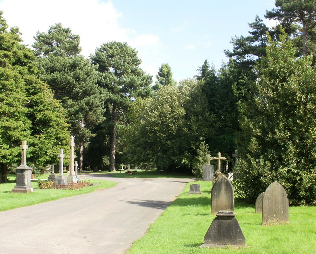 Access road, Cathays Cemetery, Cardiff