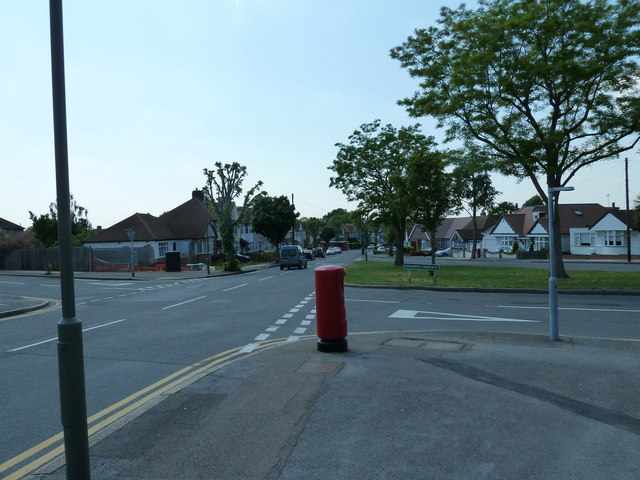 Postbox at the junction of Chesham Avenue and Oxhawth Crescent