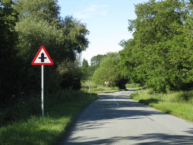 Crossroads on Clattercut Lane