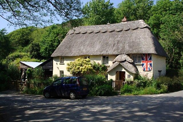 Thatched Cottage at Lymebridge