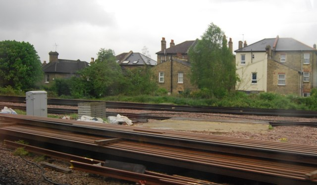 Railway lines merge, north of Tulse Hill Station