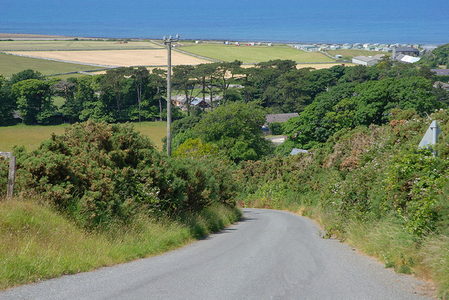 Hill road descending steeply into Llwyngwril