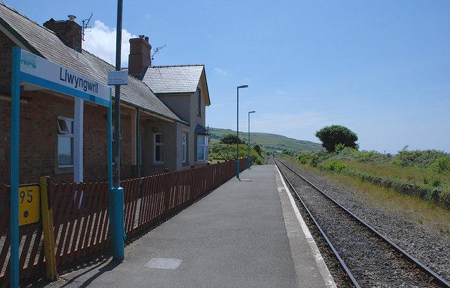 Llwyngwril station