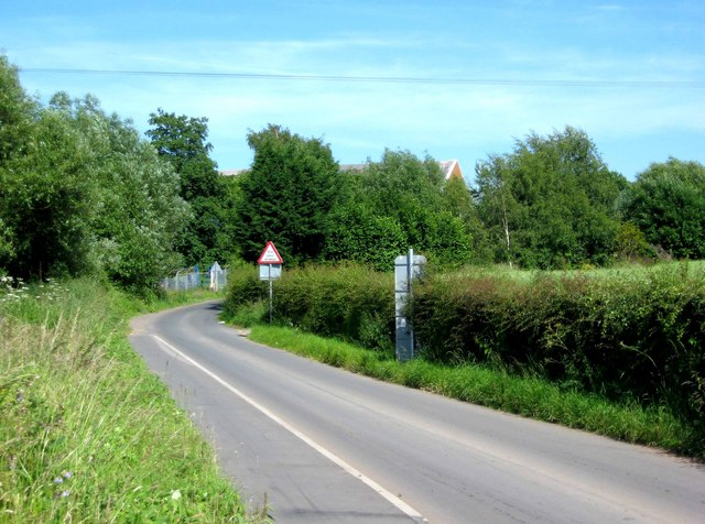 Road to Pinvin & Pershore Railway Station, near Walcot Ford