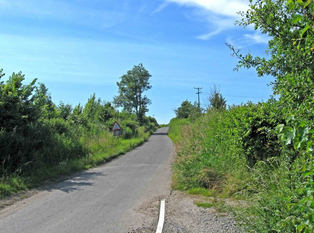 Road to Drakes Broughton, near Walcot Ford