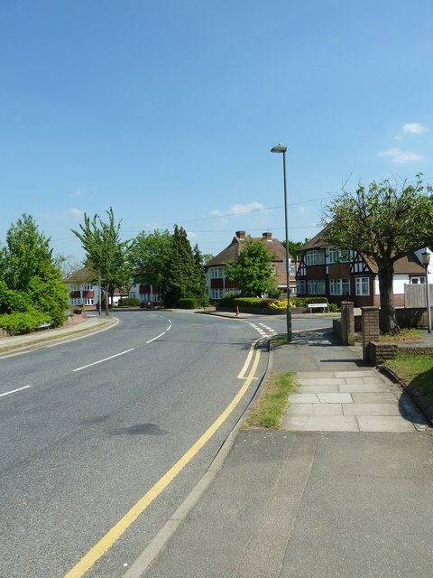 Approaching the junction of  Woodhurst Avenue and Diameter Road