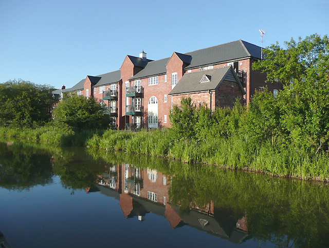 Canalside apartments near Market Bosworth, Leicestershire
