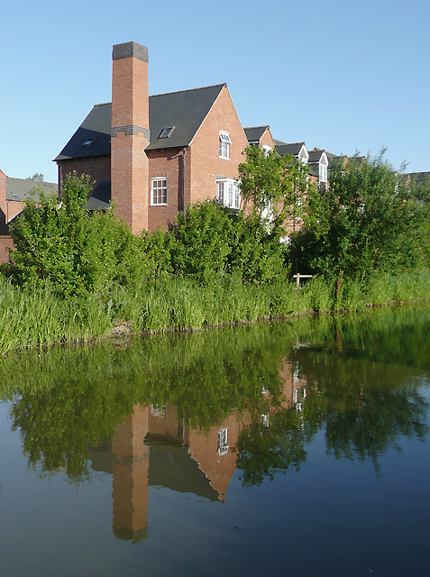 Canalside housing near Market Bosworth, Leicestershire