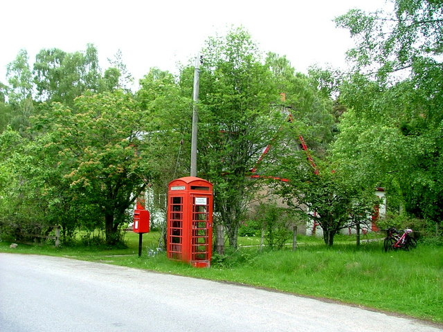 Postbox and Telephone box at Heather Brae