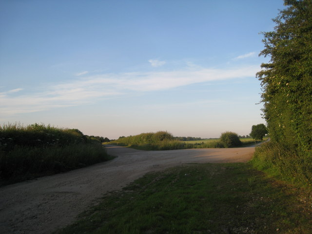 Top Road to the left, Dales Lane to the right