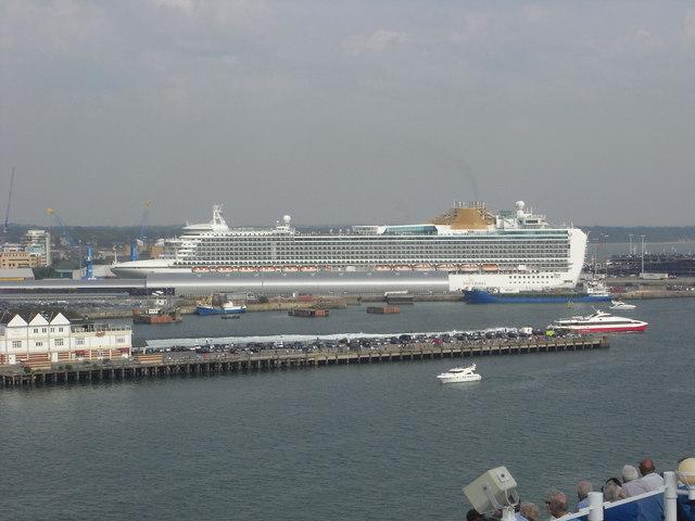 Town Quay and Ocean Cruise Terminal