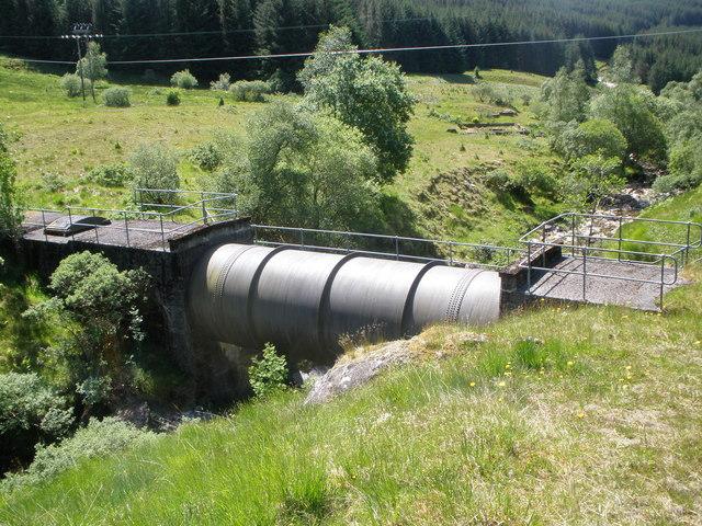 Hydro Board pipeline crossing the Brannie Burn