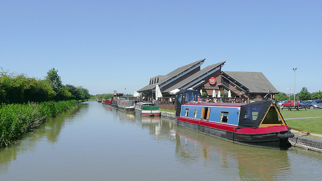 The Ashby Canal near Hinkley, Leicestershire