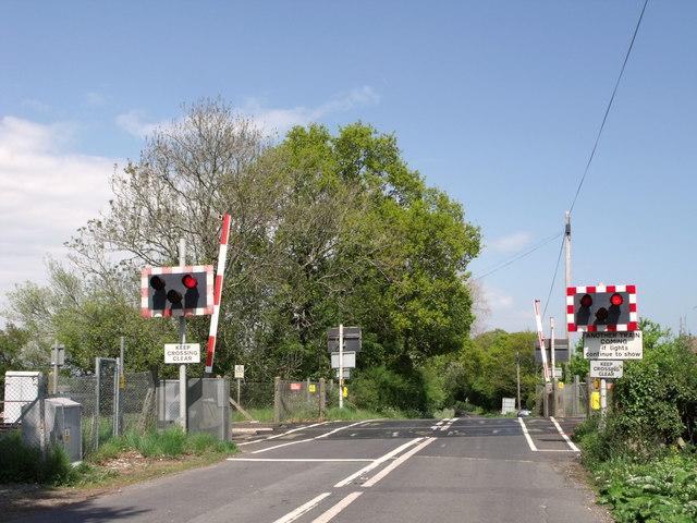 Level crossing near Ripe, East Sussex